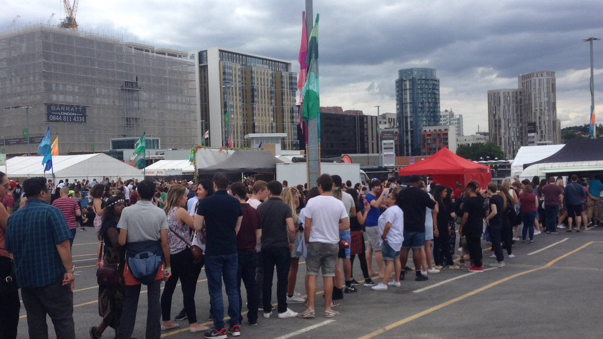 Queues at London's largest pizza festival leaves visitors calling pizza delivery